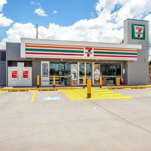 7-Eleven Fuel Station