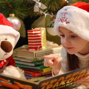 mrs-clause-story-time-at-grand-central-highlife-magazine