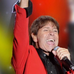 Cliff-richard-and-the-shadows-tribute-empire (1)